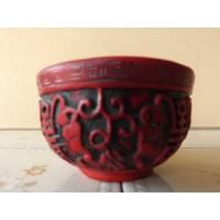Potiche oriental esculpido
